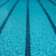 fisioterapia aquática como tratamento para problemas de coluna